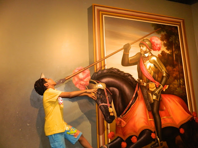 The horse guy attacking at the trick eye museum