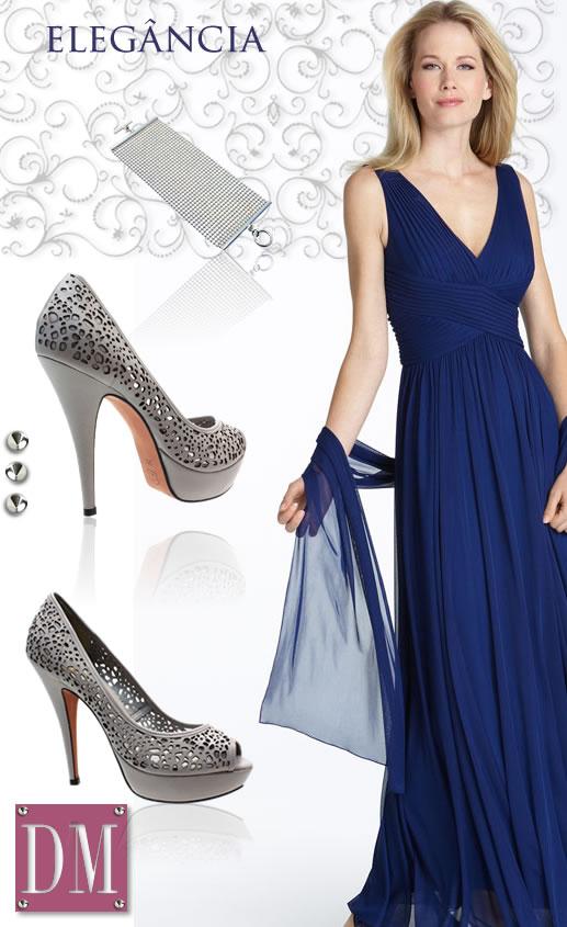 Vestido azul marinho sapato dourado