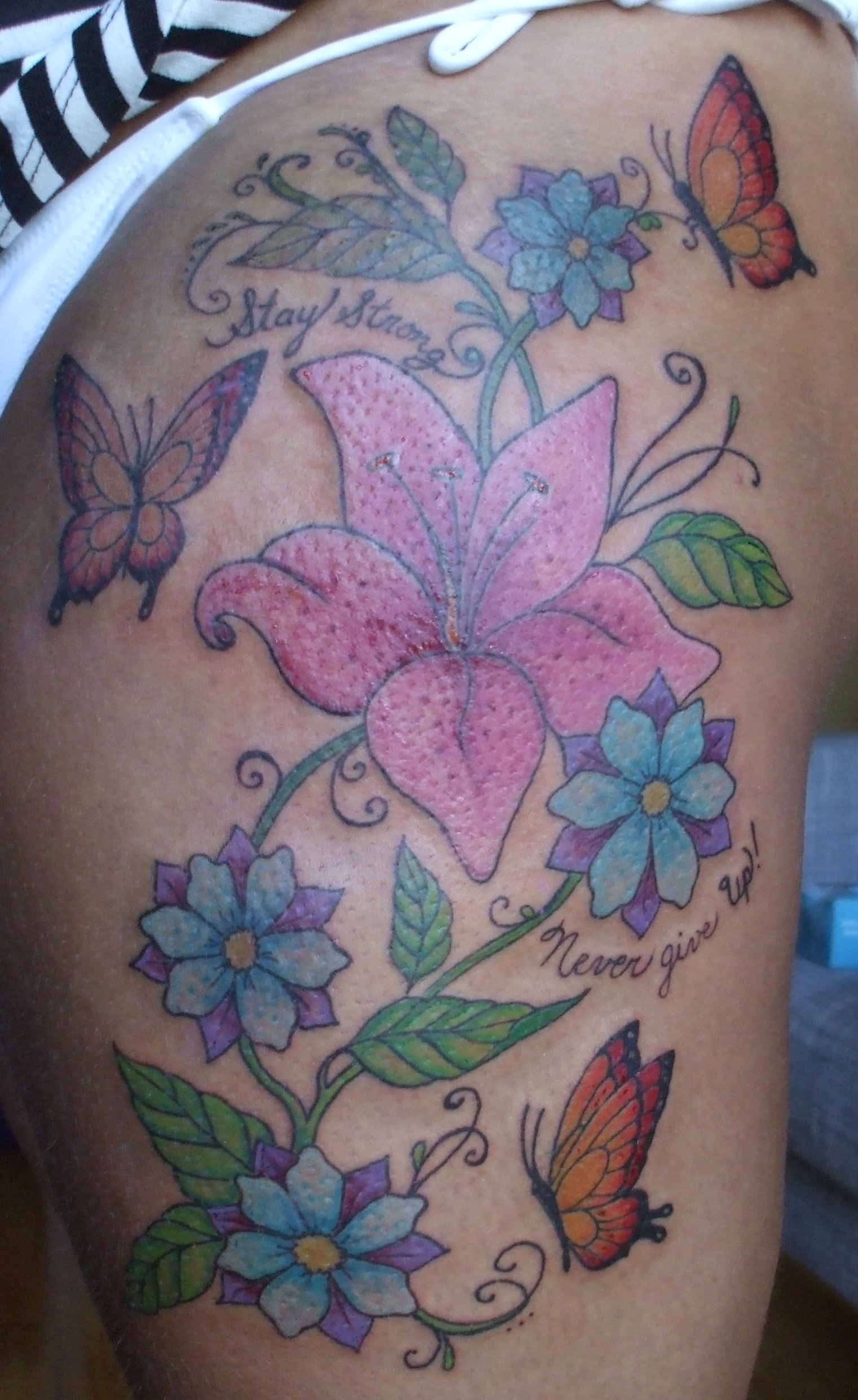 Pz c tatouage fleur - Tatouage fleur dos ...