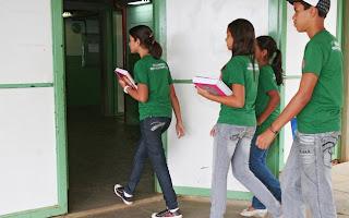 Condicionamento para a marca? Na Bahia, uniformes escolares têm microchips