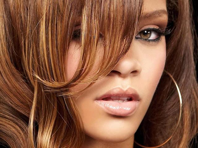 Rihanna biography and photos