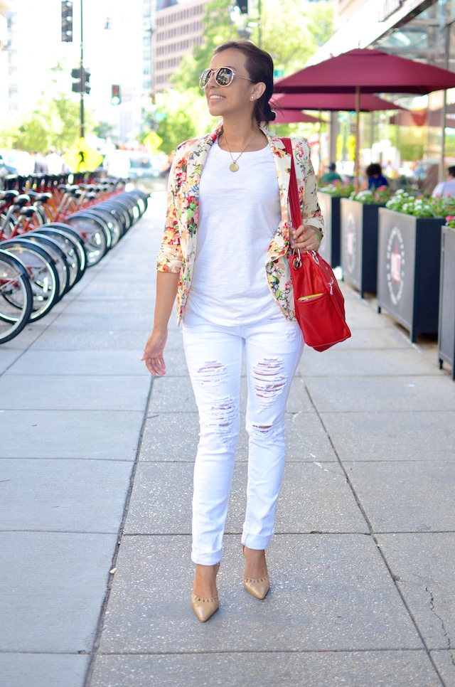 White, Flowers and Red - Mariestilo