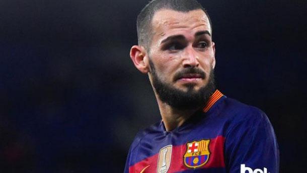 Aleix Vidal motiva a sus compañeros en el Barça