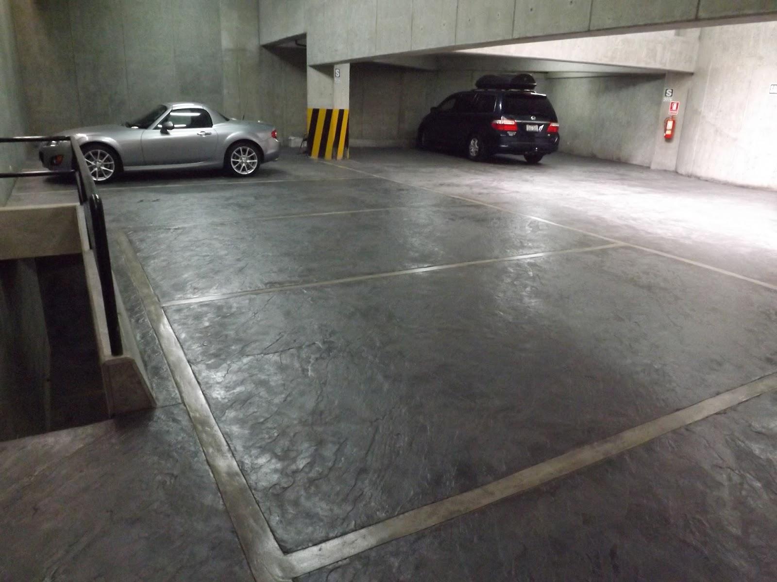 Mundo oniria piso de estacionamiento de concreto estampado for Cemento pulido para exterior
