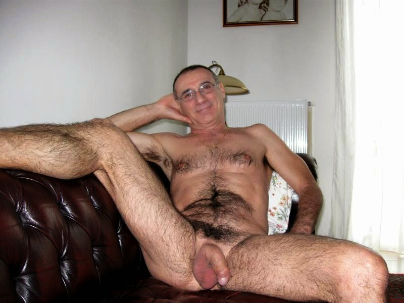 Hairy old gay men porn