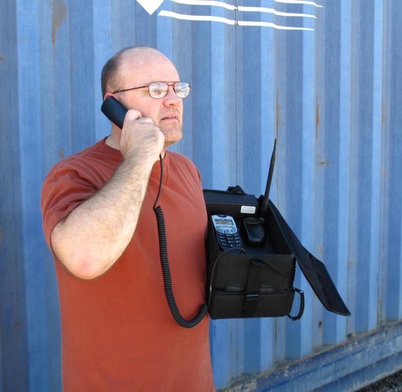 m800-bag-phone-talking.JPG