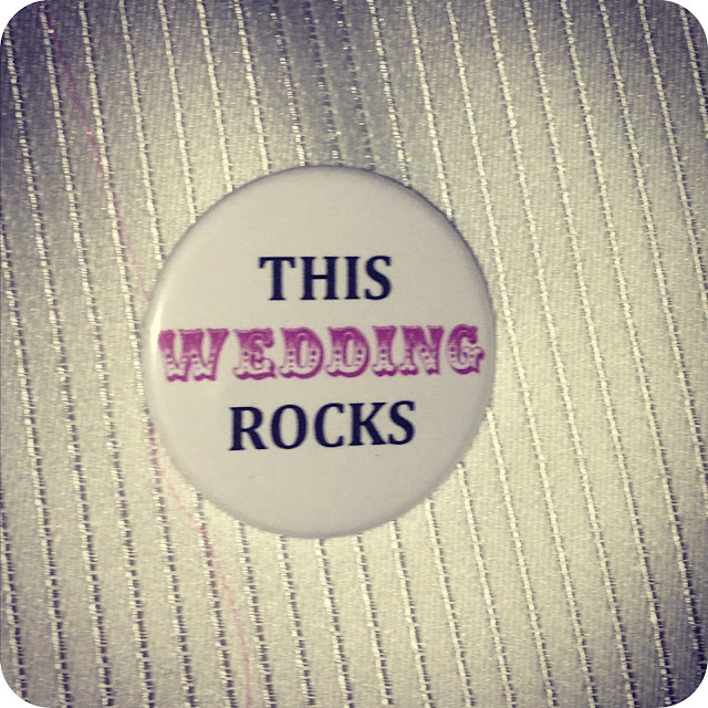 This wedding rocks badge