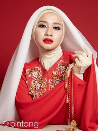 Trend Fashion Busana Muslim Modern Ala Laudya Chintya Bella