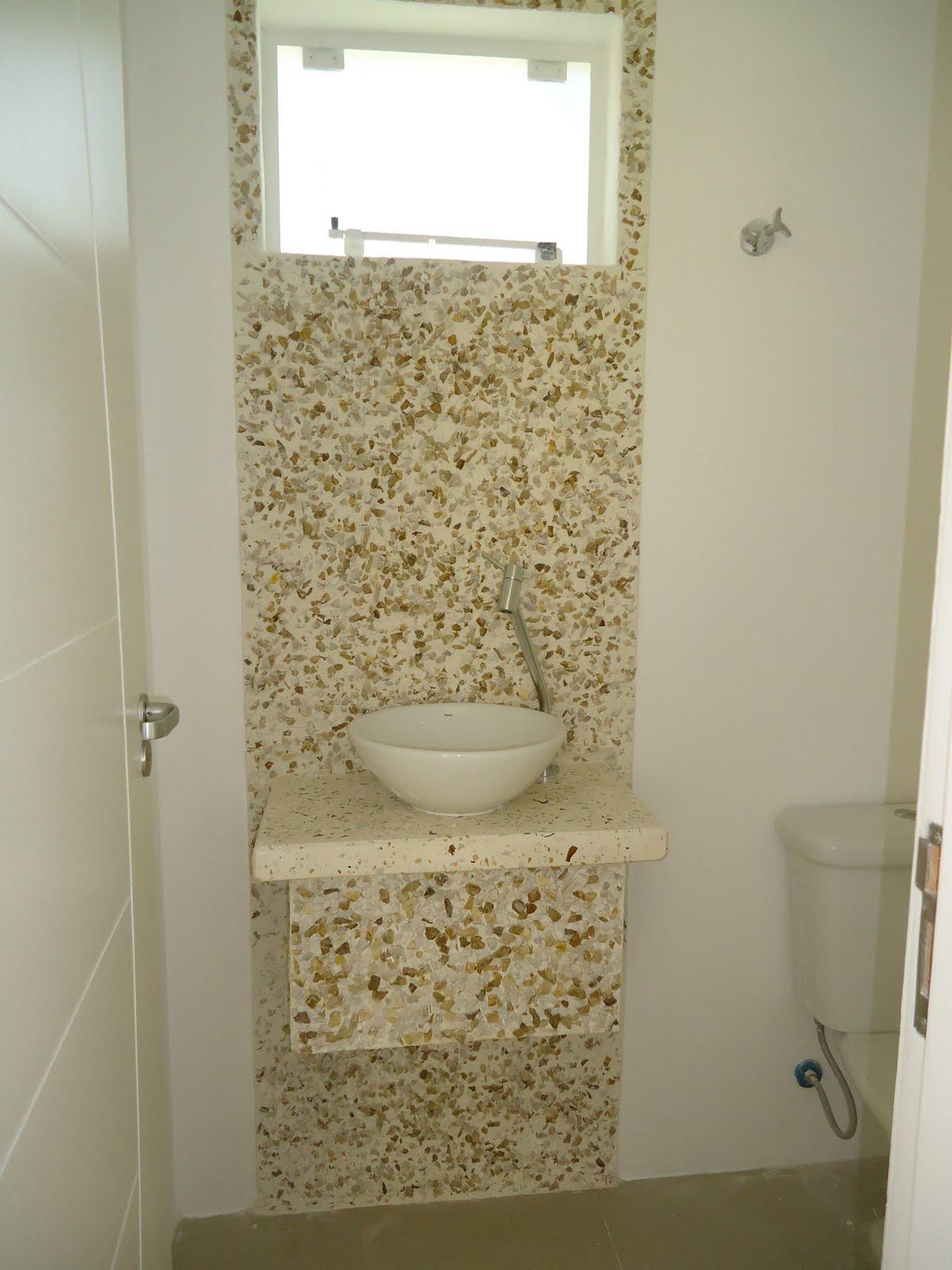 Tampos em microconcreto e vidro moído Casas de Alice #8A6541 1200x1600 Bancada De Cimento Queimado Para Banheiro Como Fazer