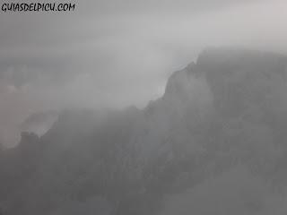 Collado de la Fragua, Fernando Calvo, guia de montaña, Guiasdelpicu.com