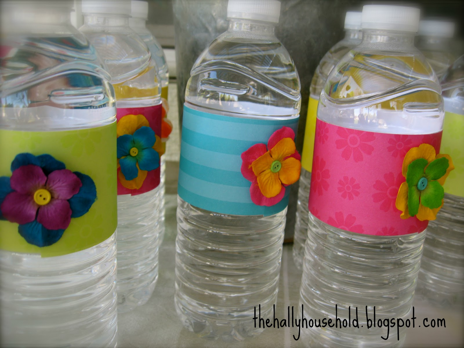 The hally household decorate bottled water for parties for Decor water bottle