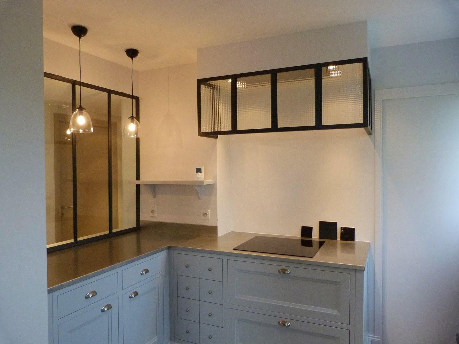 plan de travail cuisine en zinc faade de cuisine en zinc avec poigne en inox peut tre ralis en. Black Bedroom Furniture Sets. Home Design Ideas