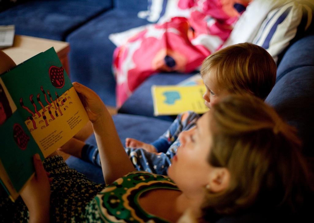 Mit, mikor és hogyan mesélj gyermekednek?