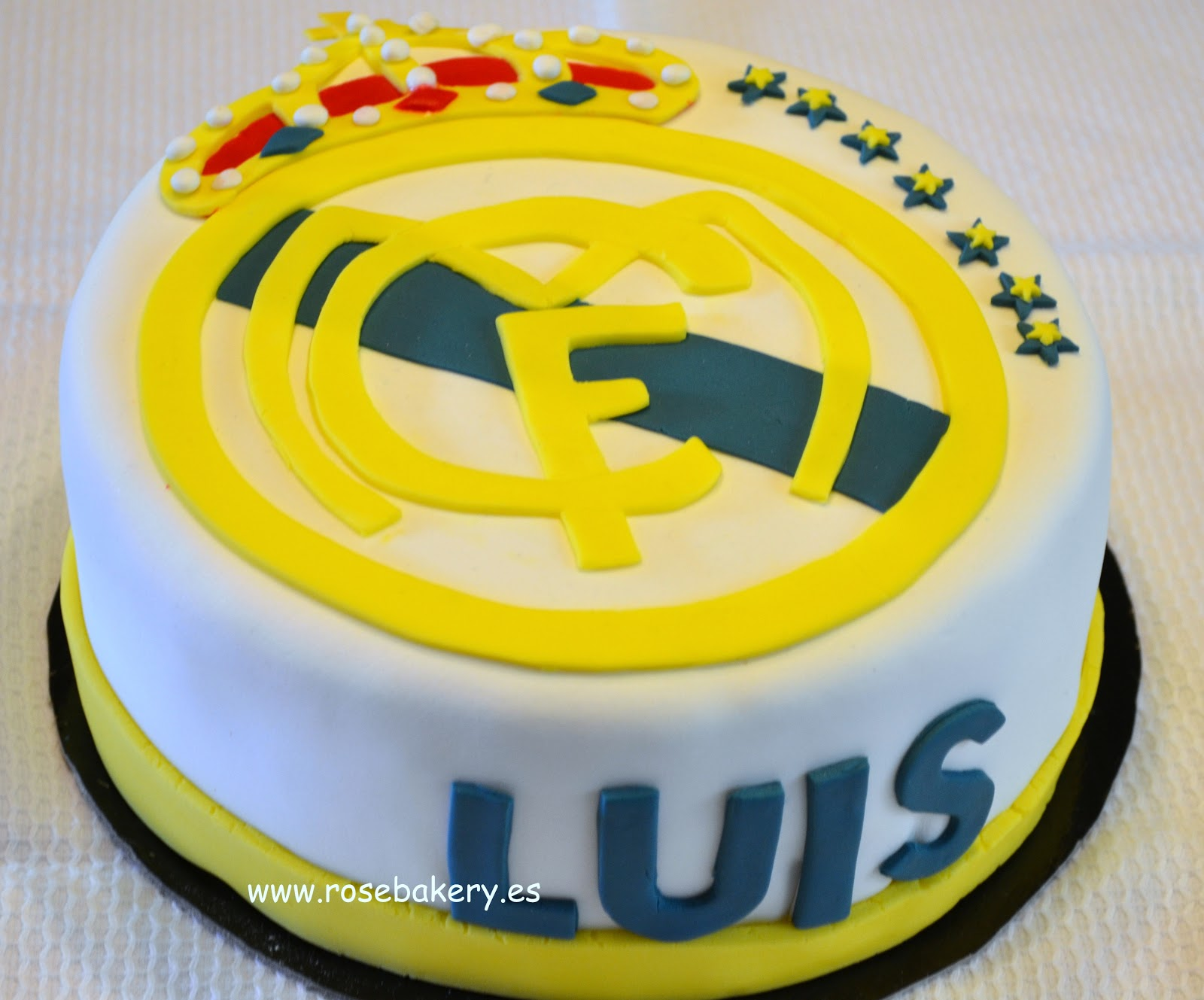 Rose bakery tarta escudo del real madrid for Correo real madrid