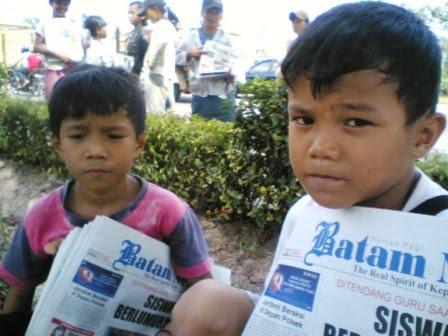 Bocah Penjual Koran