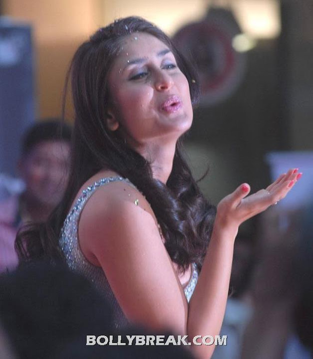 Kareena Kapoor Face CloseUp Heroine Movie Still - Kareena Kapoor Face CloseUp Heroine Movie Stills - Kissing & Waving