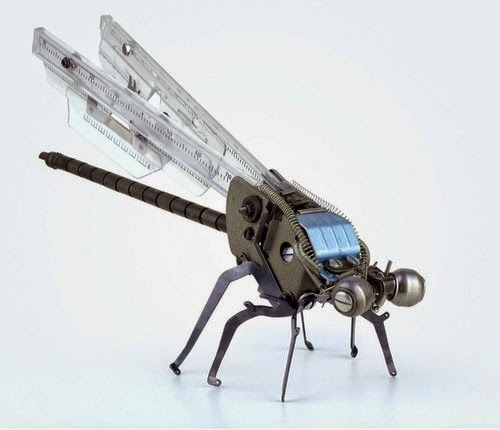11-Jeremy Mayer-Typewriter-Robot-Sculptures-www-designstack-co