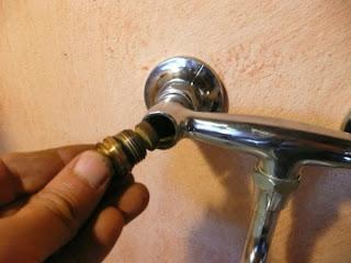 rubinetto acqua smontaggio sostituzione riparazione