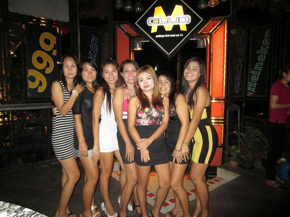 The sex show girls in Pattaya bar - Thailand