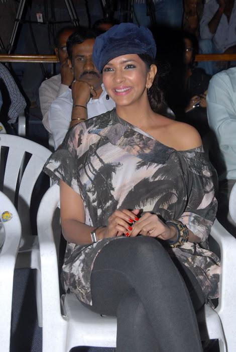 lakshmi manchu at ekaveera platinum disc event hot images