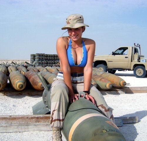 Tentara Wanita Paling Seksi