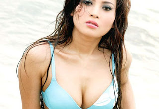 hot Model Seksi Indo Novie Amelia