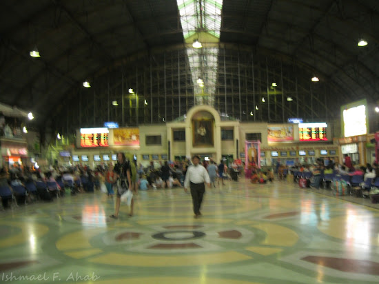 Inside Hua Lamphong Train Station