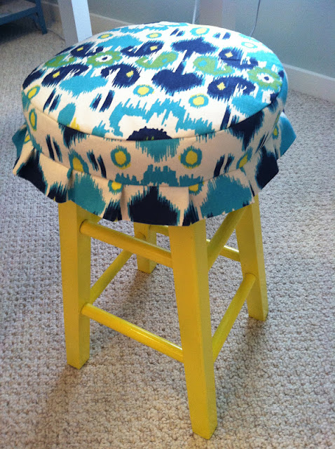 Pine Tree Home Sewing Painted Craft Stool with Fabric Cover : IMG0621 from pinetreehome.blogspot.com size 478 x 640 jpeg 138kB