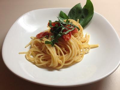 spaghetti, pomodoro e basilico... omaggio al tricolore!
