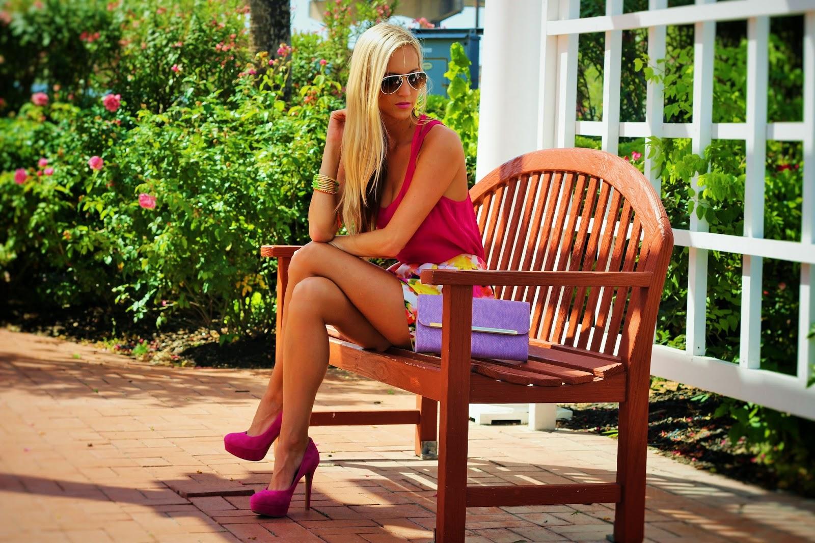 http://www.fabphilosophy.blogspot.com/2014/05/summertime-barbie-girl.html