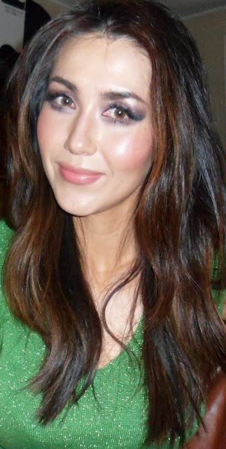 Photo without false under eyelashes