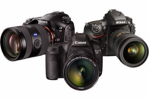 full frame camera, APS-C image sensor, Canon vs Nikon, Pentax 645D II, new DSLR camera, high-end camera, professional photographer, affordable full frame camera
