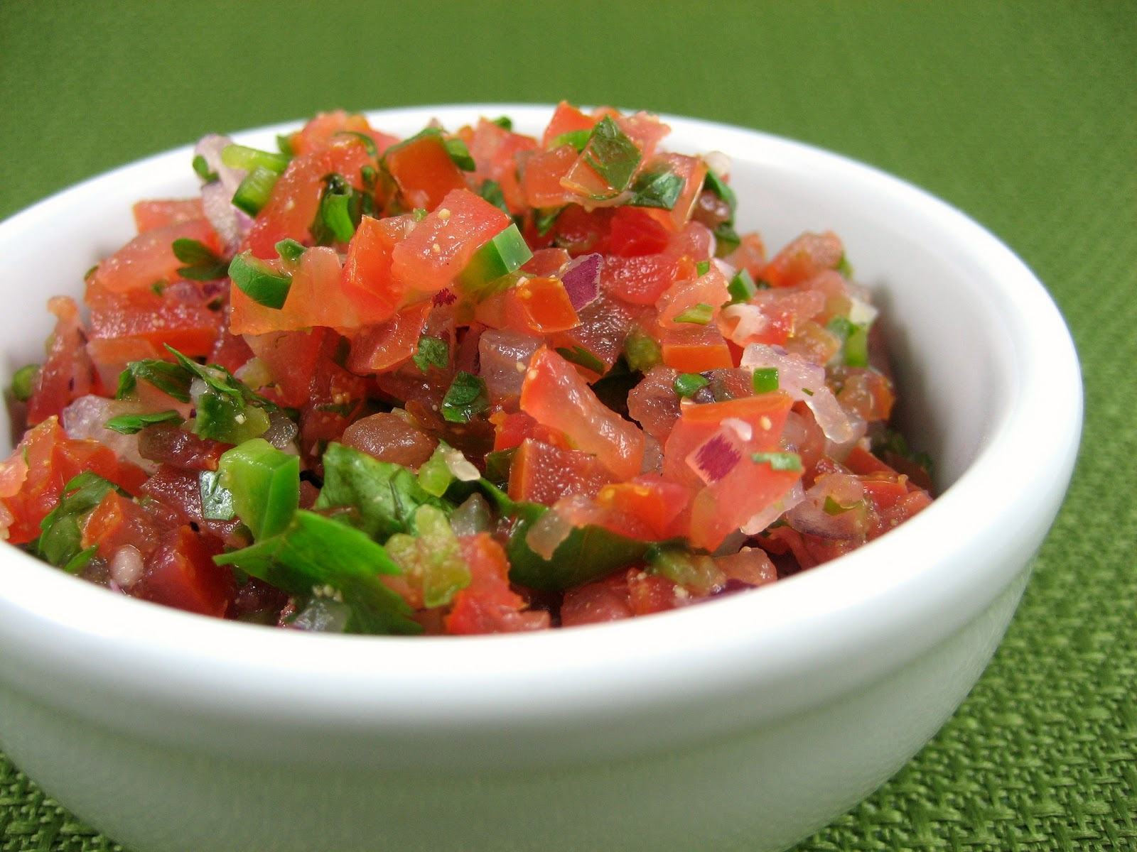 Homestyle Vegetarian Cooking: Fresh Tomato Salsa