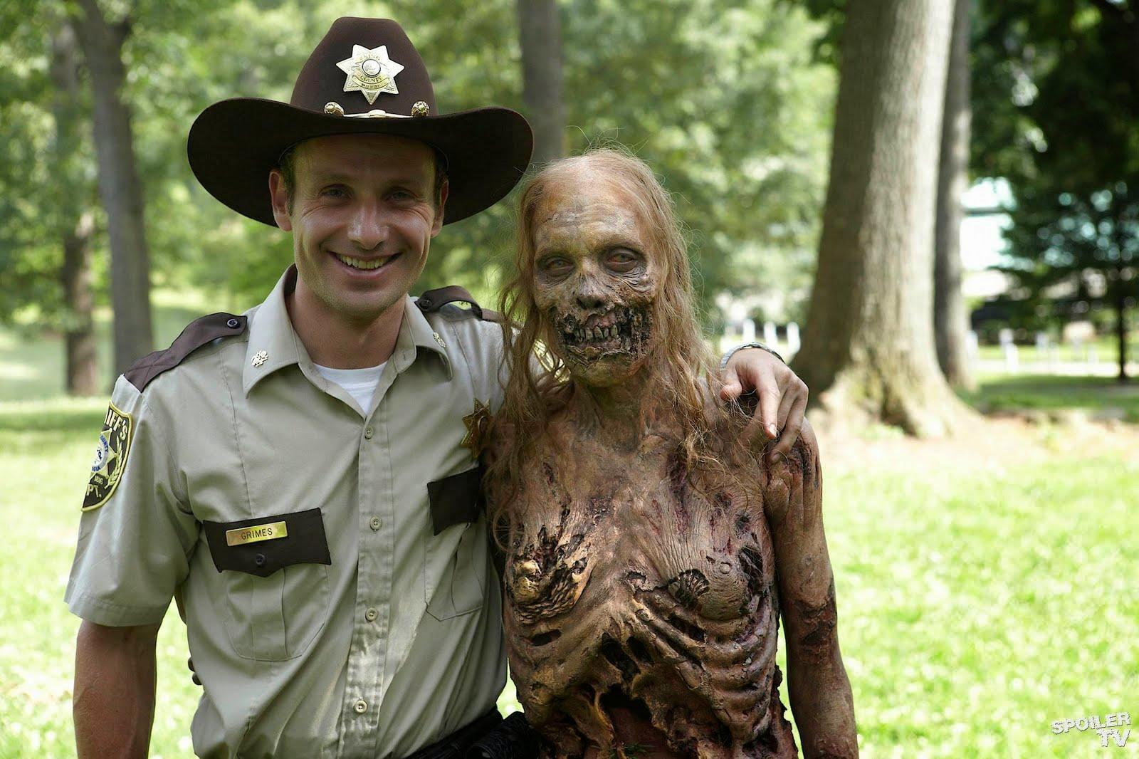 Confira o antes e o depois dos zumbis de The Walking Dead