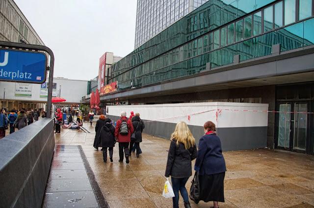 Baustelle Primark Neugestaltung von 8.000 qm Einzelhandel, Alexanderplatz, 10178 Berlin, 10.12.2013