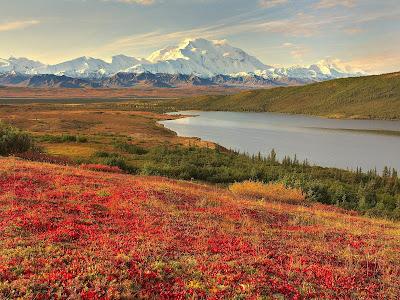 Kumpulan Gambar Lembah di Pegunungan Paling Keren