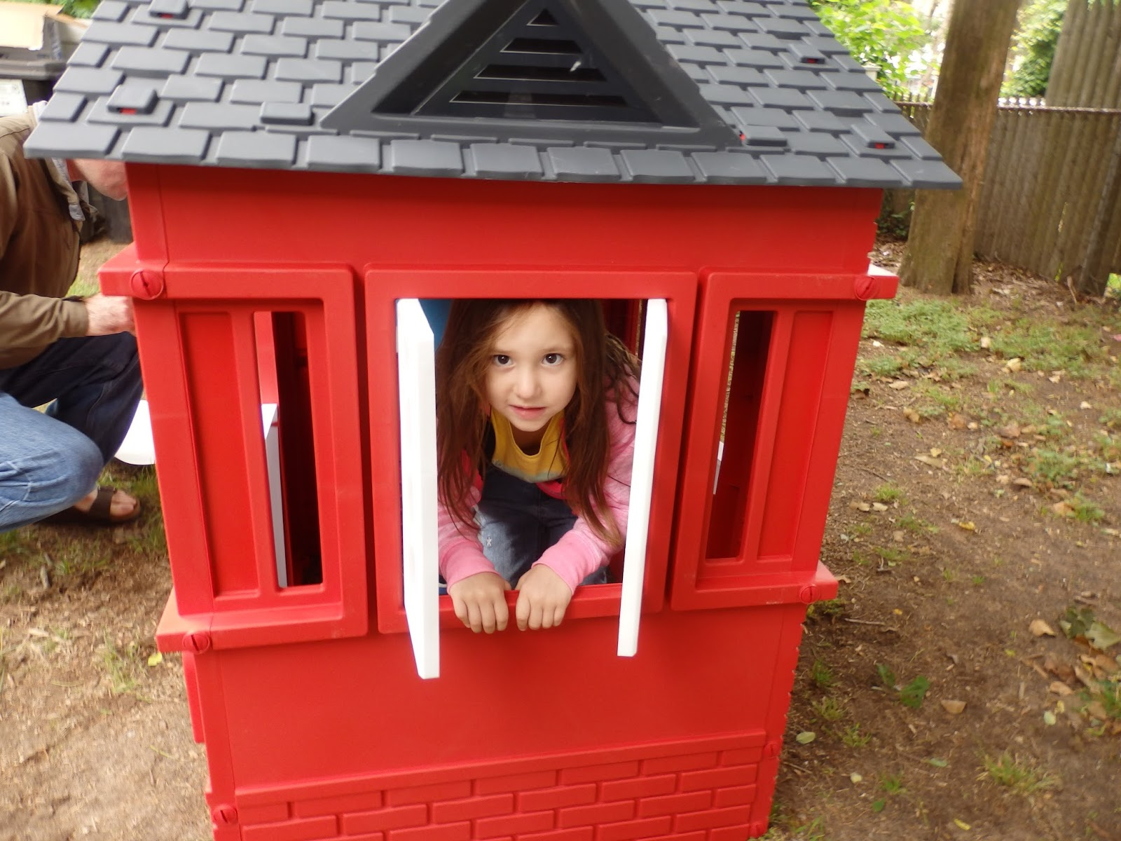 Cosy Little Tikes Home Garden Playhouse. New Age Mama  Summer Fun with Little Tikes Cape Cottage Playhouse Giveaway
