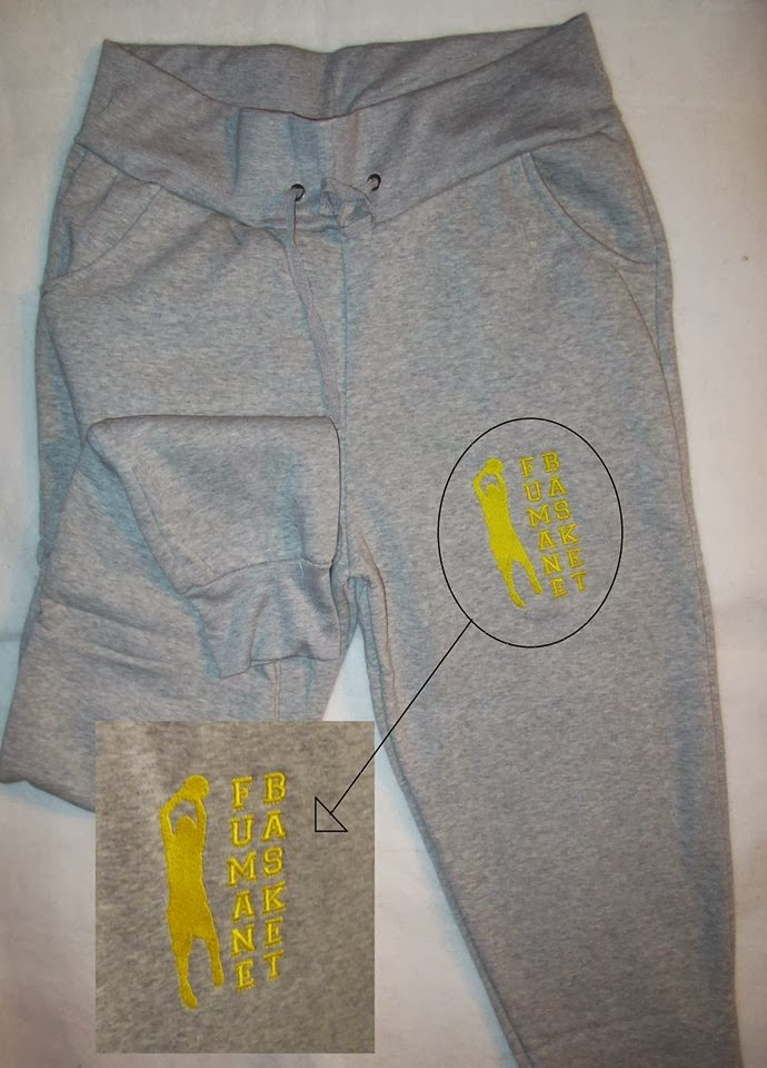 e ci sono anche i pantaloni...