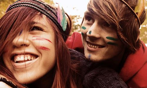 7 Ways to Make Her Smile Today,happy couple girl guy boy