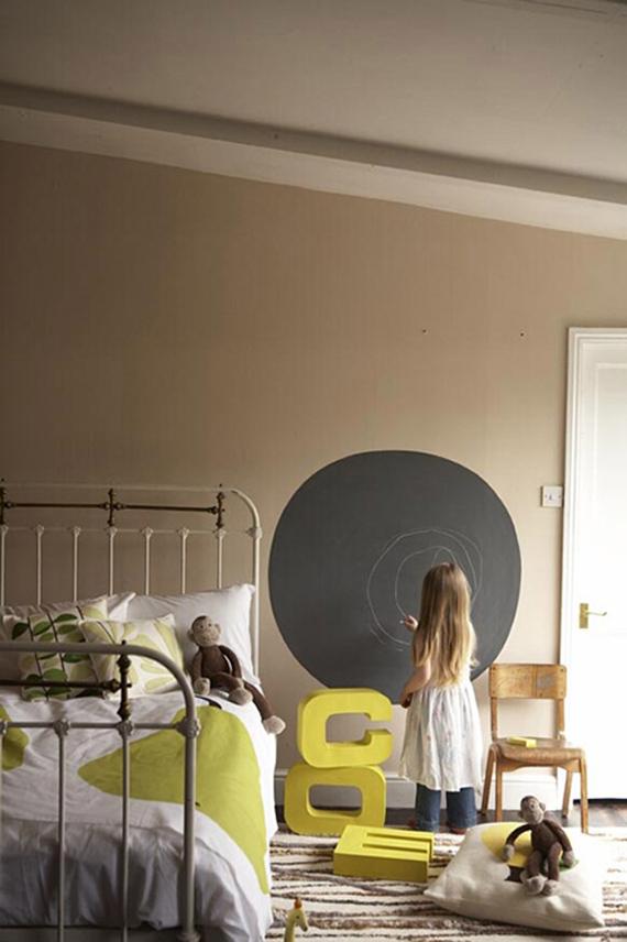 Dormitorios para niñas estilo vintage, con camas de hierro ...