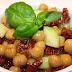 Sałatka z Ciecierzycy i Suszonych Pomidorów