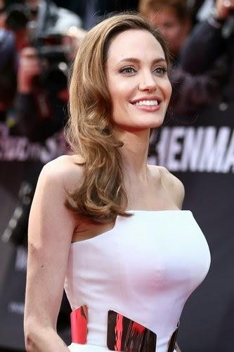 Fakta yang anda tak tahu mengenai Angelina Jolie