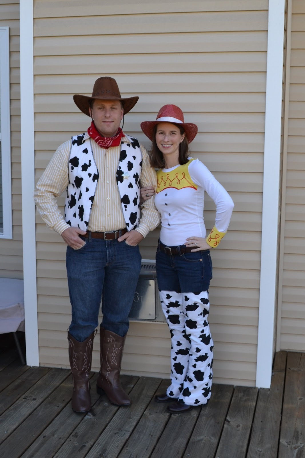 Jessie and Woody Costumes Homemade http://www.laforcebewithyou.com/2011_10_01_archive.html