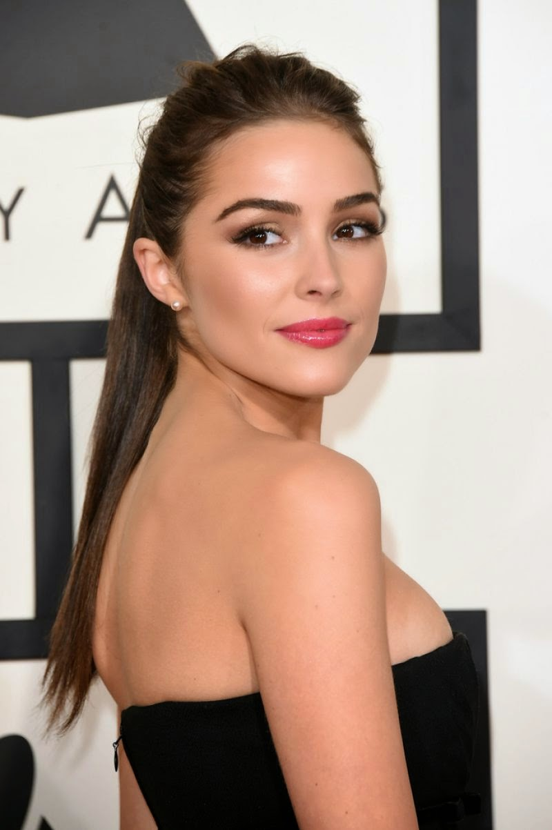 Olivia Culpo In A Strapless Black Dress At The 2015 Grammy