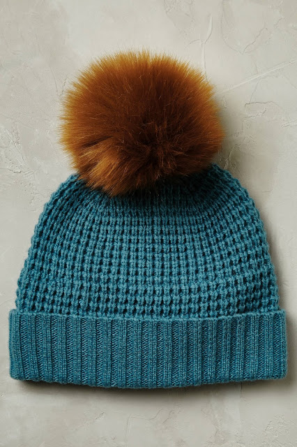 anthropoloogie blue fur beanie, blue beanie brown pom,