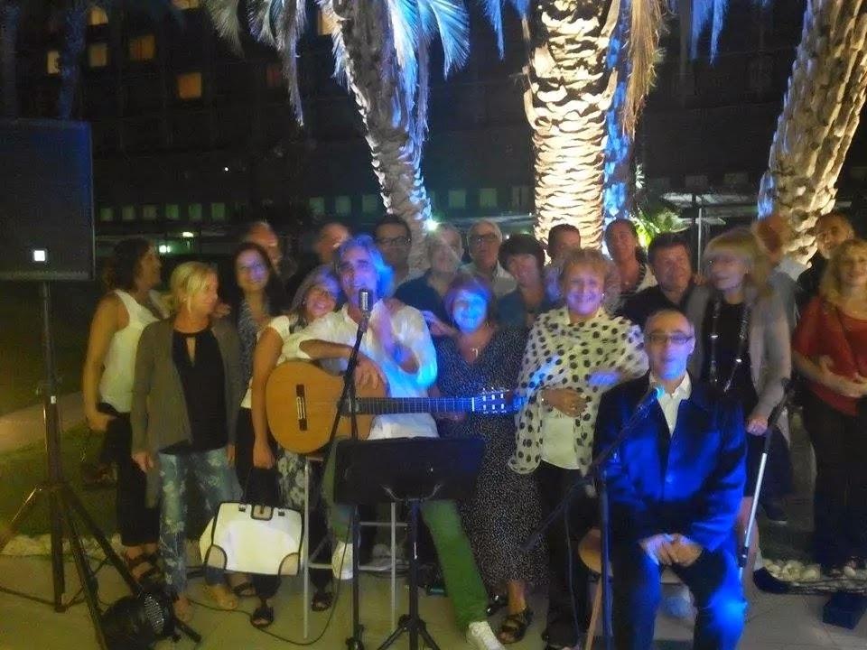 Con mis amigos en la última actuación en The Terrace