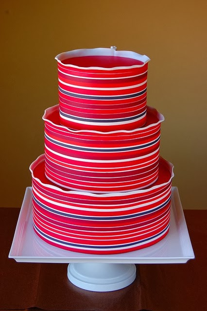 сватбена торта с ярки цветове