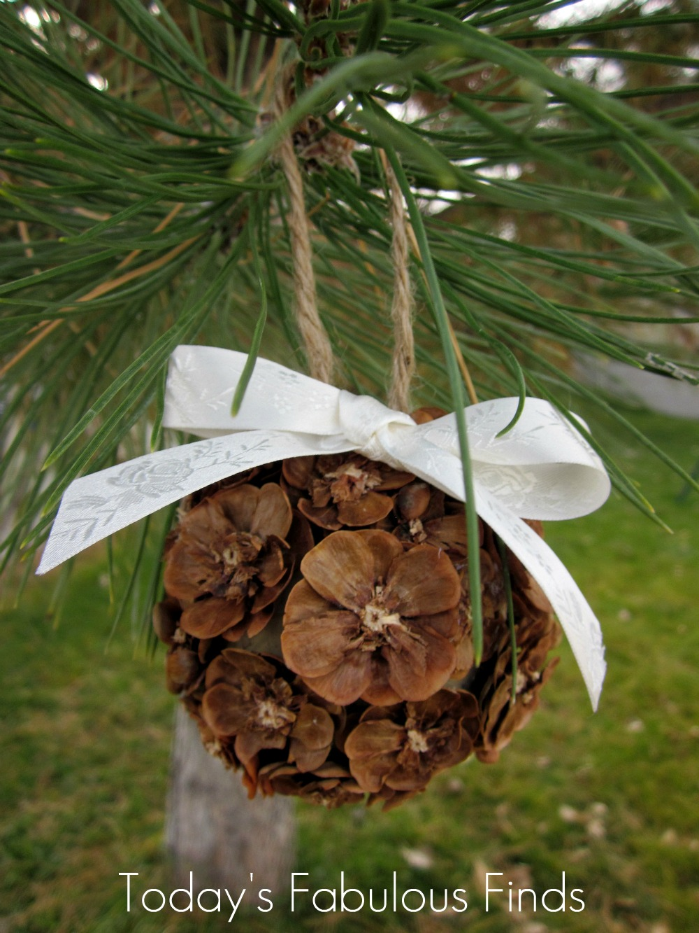 Today 39 s fabulous finds handmade pine cone flower ornaments for Pine cone ornaments