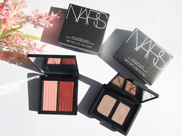 colorete Dual-Intensity Blush de NARS Fervor y Duo eyeshadow nars Kalahari