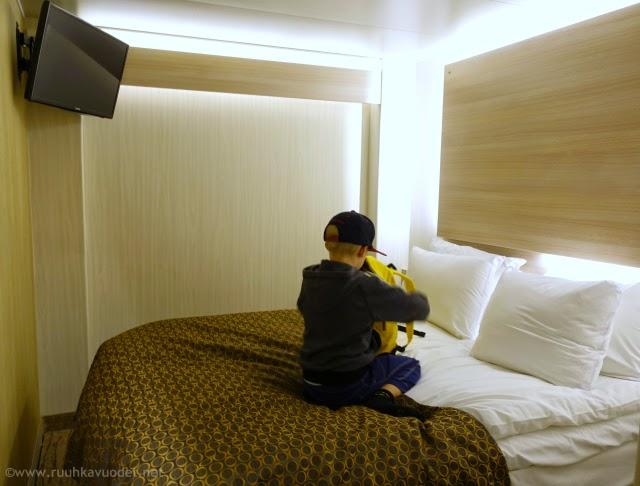 Uraäidin Ruuhkavuodet / BD2 Inside Comfort -hytissä on 140 cm leveä parisänky